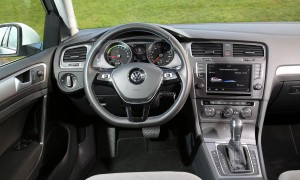 Volkswagen-e-Golf-electric-car-drive-review-test-drive