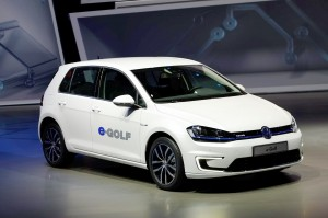 Volkswagen-e-Golf-front-three-quarter-02